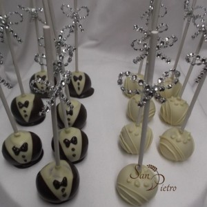 Mariée et le marié cake pops / Bride and Groom cake pops