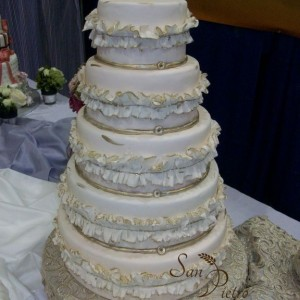 Chiffoner et or / Ruffle and gold cake