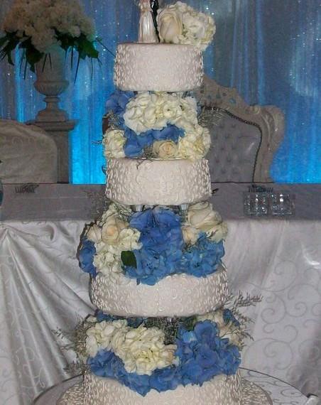 gâteau avec des fleurs frâiche Fresh Flowers cake