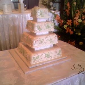 Carré gâteau de mariage feuille vert / Square wedding cake green leaves