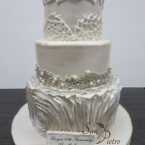 Blanc et argent gâteau du 25e anniversaire / White and Silver 25th Anniversary cake