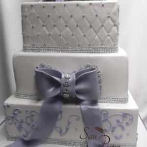 Lilas et diamants gâteau à trois niveaux / Lilac and Diamond three tier cake