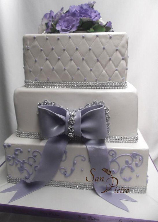 Lilas et diamants gâteau à trois niveaux / Lilac and Diamond three ...