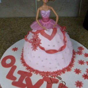 gâteau robe de Barbie / Barbie dress cake for Olivia