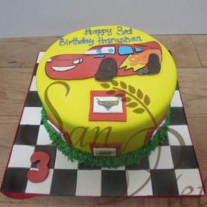 Lighting McQueen one tier Cake