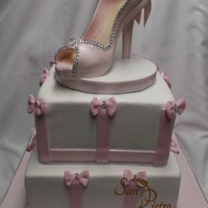 Diamant Boîte à chaussures gâteau / Diamond Shoe bow cake