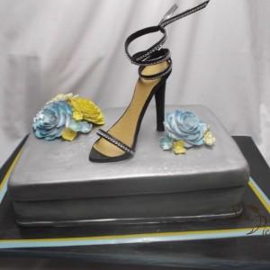gâteau de chaussures noir / Bridal Shower Shoe cake