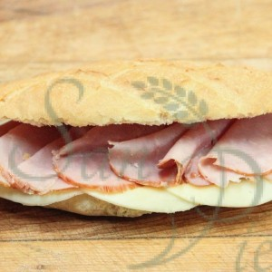 sandwich au jambon et fromage / sandwich ham and cheese