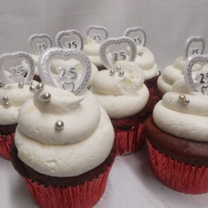 Red Velvet 25th Ann-cupcakes
