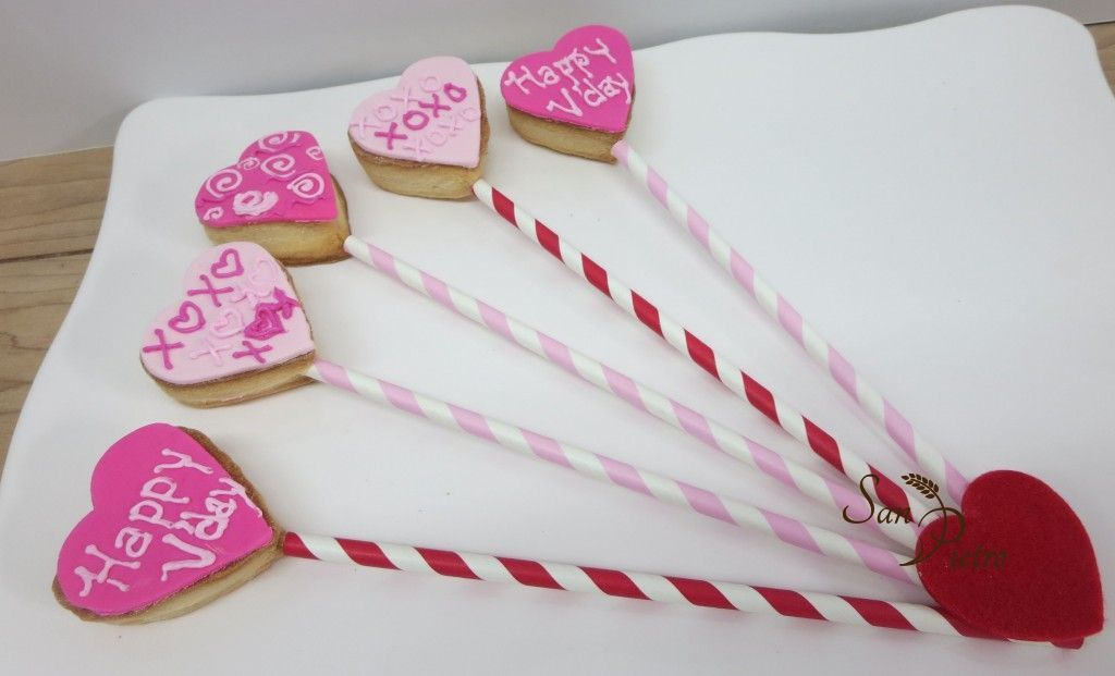 Valentine straw cookies
