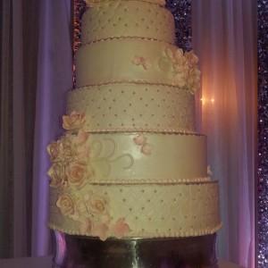 8 tier elegant wedding cake
